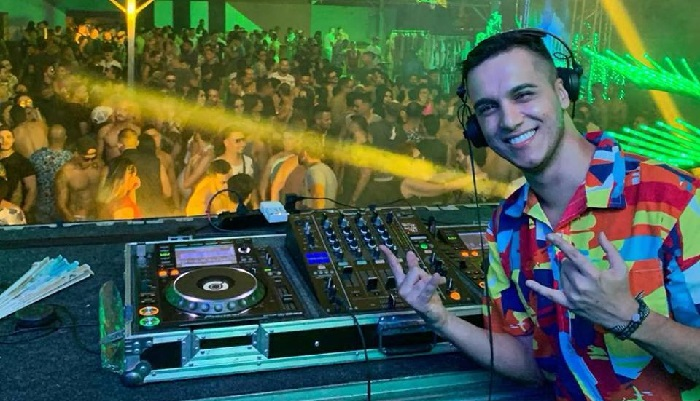 DJ recifense radicado no Rio Filipe Guerra chega ao 1º lugar do Top 30 Gay Brasil com Turn It On
