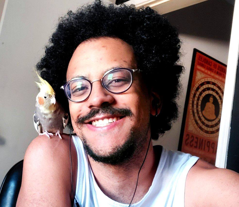 João Luiz, professor gay e participante do BBB21